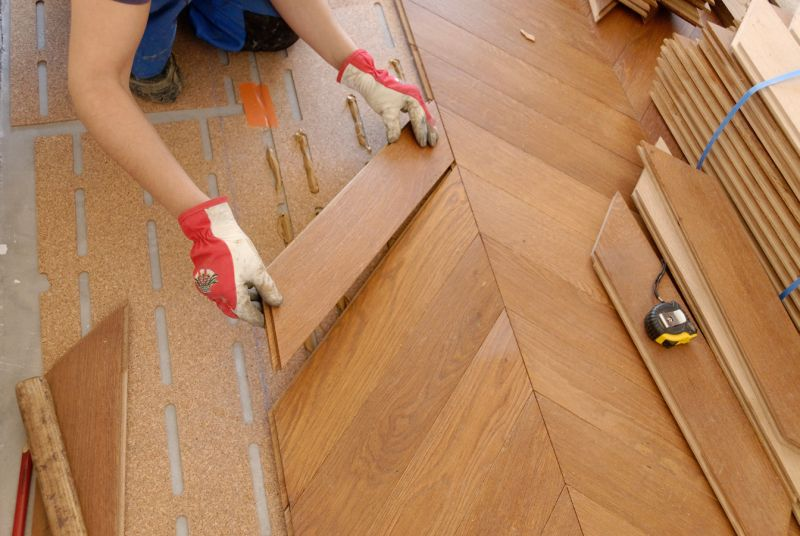 Parquet in legno massello essenze messa in posa e costi for Pitturare legno